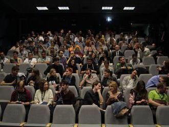 Mladí tvorcovia môžu získať grant a natočiť svoj krátky film