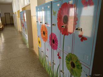 Spor dvoch škôl v Ružinove sa vyriešil, súkromná má nové priestory
