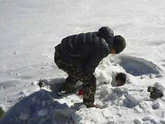 Juhokórejcov našli po víchrici mŕtvych na himalájskej hore