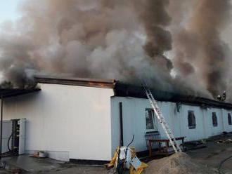 Požiar budovy na Vajnorskej v Bratislave sa podarilo uhasiť