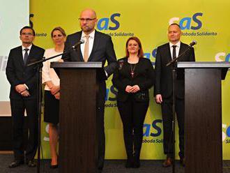 Na hodine otázok by mal premiér odpovedať najprv na opozičné otázky, navrhuje SaS