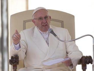 Pápež zbavil kňazstva ďalších dvoch čilských duchovných