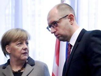 "Merkelová rokovala s Jaceňukom: Prečo nemecká kancelárka ""oživuje"" bývalého ukrajinského premiéra?"