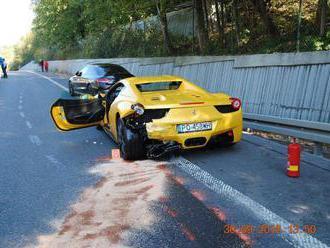 Po tragickej naháňačke Ferrari a Porsche na Orave žiadajú o pomoc
