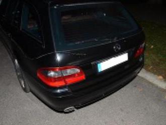 Zdemolované autá v Bratislave: Bezhlavé vyčíňanie vandala, zasahovala polícia so psami