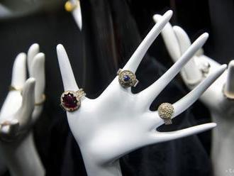 Zadržali Chorvátov a Srba podozrivých z miliónovej krádeže šperkov