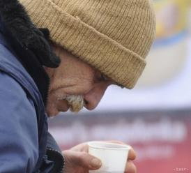 Predajom kalendára chcú dobrovoľníci pomôcť ľuďom bez domova