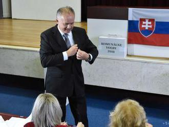 Prezident A.Kiska odvolil v spoločnosti svojej manželky doma v Poprade