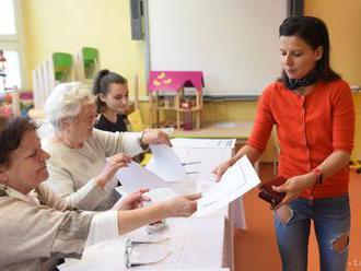 V Slovenskom Pravne obyvatelia volia len obecných poslancov