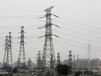 Distribútori elektriny vlani odpojili od siete 344.000 odberateľov