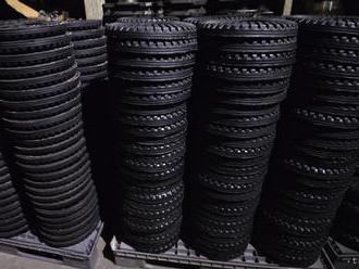 Pri výbere zimných pneumatík si netreba všímať iba ich cenu