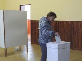 Svojich nových zástupcov si volí aj 370 voličov v Banskom Studenci