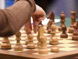 MS v šachu: Po 2. finálovej partii súboja Carlsen - Caruana je remíza
