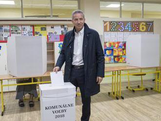 ZÁZNAM: Volebná centrála Václava Miku