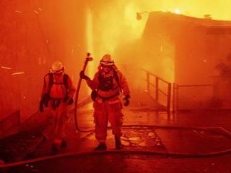 Lesné požiare v Kalifornii si vyžiadali najmenej 11 životov
