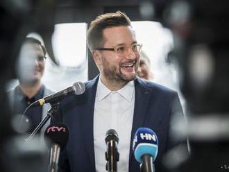 V Bratislave je sčítaných 5 % hlasov, naďalej vedie M. Vallo