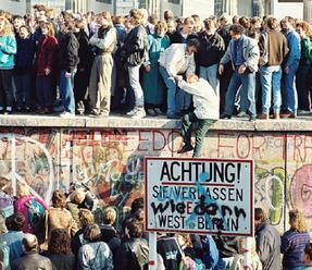 Piatok sa v Nemecku ponesie v znamení spomienkových podujatí na tri výročia