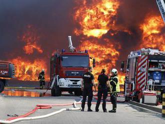 Vo Wittenbergu podpálil utečeneckú loď, ktorá tam od vlani pripomínala humanitu