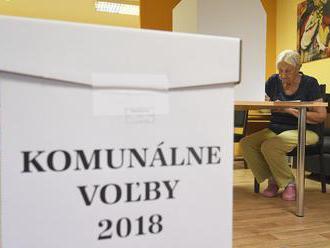 Volebné miestnosti sa zatvorili, začalo sa sčítavanie hlasov