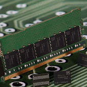 Éra pamětí DDR5 pomalu startuje, SK Hynix představil 16Gb čipy