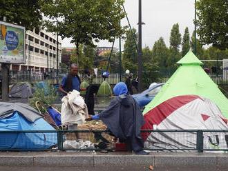 S migračný paktom má problém SaS i SNS. Lajčák bude diskutovať