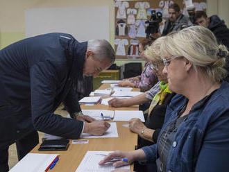Podnety môžu voliči hlásiť aj na linke štátnej volebnej komisie