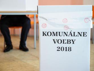 Komunálne voľby v Bratislva začali bez väčších problémov: V Petržalke riešili nominácie