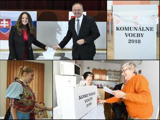 Volebný ONLINE: Slováci rozhodujú o vedení miest a obcí, prvý volebný incident