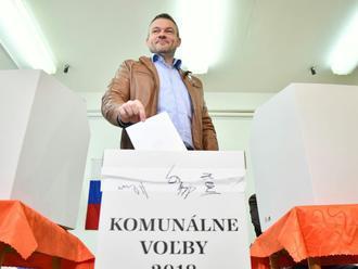 Premiér Pellegrini odovzdal svoj hlas: VIDEO Je dôležité ísť voliť, vaše dane nejdú štátu