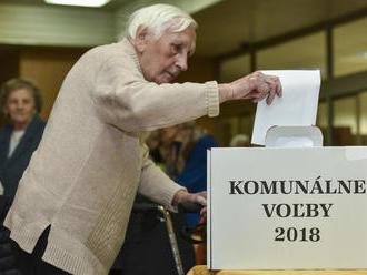 Dôchodcovia odkázali všetkým Slovákom: Ak nepôjdete voliť, potom sa nesťažujte