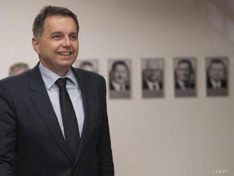 Poslanci parlamentu schválili P. Kažimíra za nového guvernéra NBS