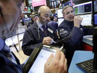 Burzy v USA v piatok výrazne oslabili, index Dow Jones klesol o 2,24 %