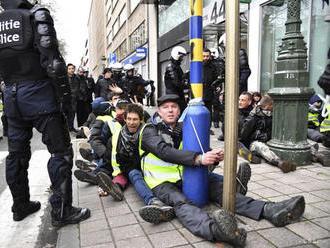 Polícia zatkla v Bruseli desiatky demonštrantov