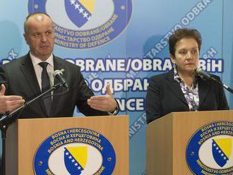 Minister obrany Gajdoš sa stretol s rezortnou kolegyňou Pendešovou