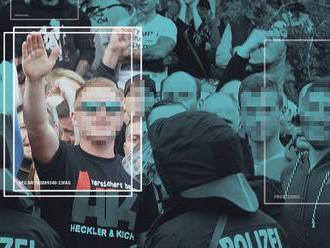 Naviedli neonacistov, aby sa sami identifikovali