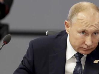 Putin vyzýva štáty BRICS: Pomôžte pri obnove Sýrie
