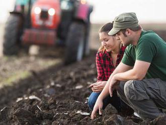 Užívanie náhradných pozemkov sa farmárom zjednoduší