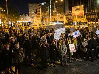 Aktivisti nebudú ticho. V Bratislave vyjadrili solidaritu so ženami