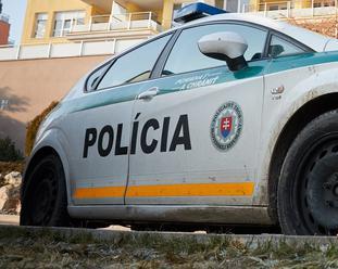 Smrteľná nehoda v okolí Košíc: Zrážku dvoch áut neprežila jedna osoba