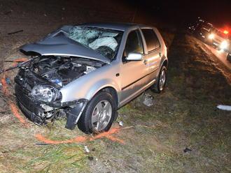 FOTO Smrteľná nehoda v okolí Košíc: Zrážku dvoch áut neprežila jedna osoba
