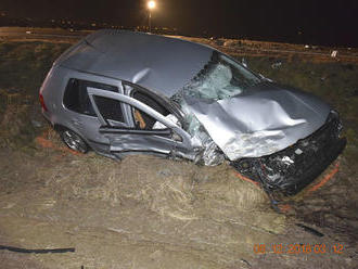 Zrážku dvoch áut v košickom okrese neprežil 28-ročný mladík