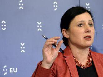 Komisárka Jourová je znepokojená situáciou rómskych žiakov v SR