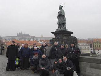 Umelecky ladení zasvätení zorganizovali svoje prvé stretnutie v Prahe
