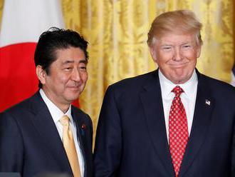 Abe a Trump chcú vytrvať v tlaku na KĽDR, kým sa nevzdá jadrových zbraní