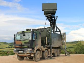 Špičky SNS a Smeru sa dostali do sporu pre vojenské radary, za ktorým môže byť skrytý biznis