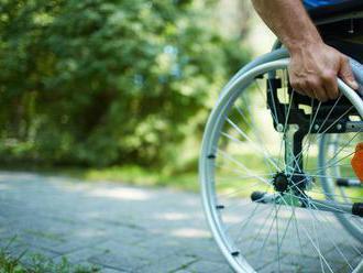 Dočká sa vozičkár po desaťročiach odškodného?