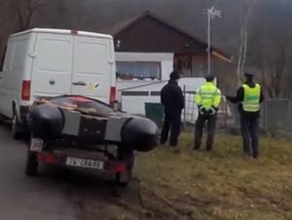 Rumunsko vydalo slovenský vražedný pár: V Česku zabili manželov, tam ich budú súdiť