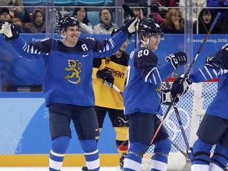 VIDEO: Fínski hokejisti začali ZOH 2018 výhrou, hviezdou tínedžer Tolvanen
