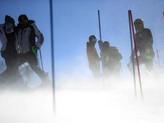 Opakovaný žreb slalomu prisúdil Vlhovej a Velez-Zuzulovej nové štartové čísla