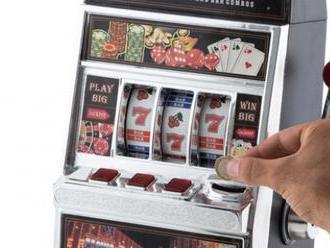 Originálne pokladnička Hrací automat Th3 Party vám pomôže zbierať drobné úspory.